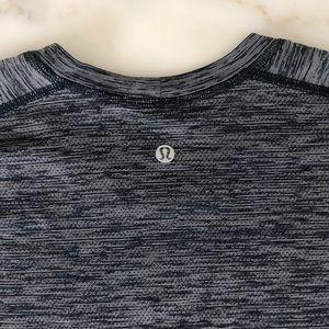 Men's Lululemon athletic shirt size Large